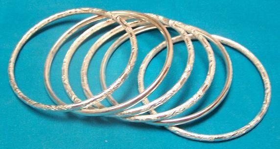 silver tone bangle set