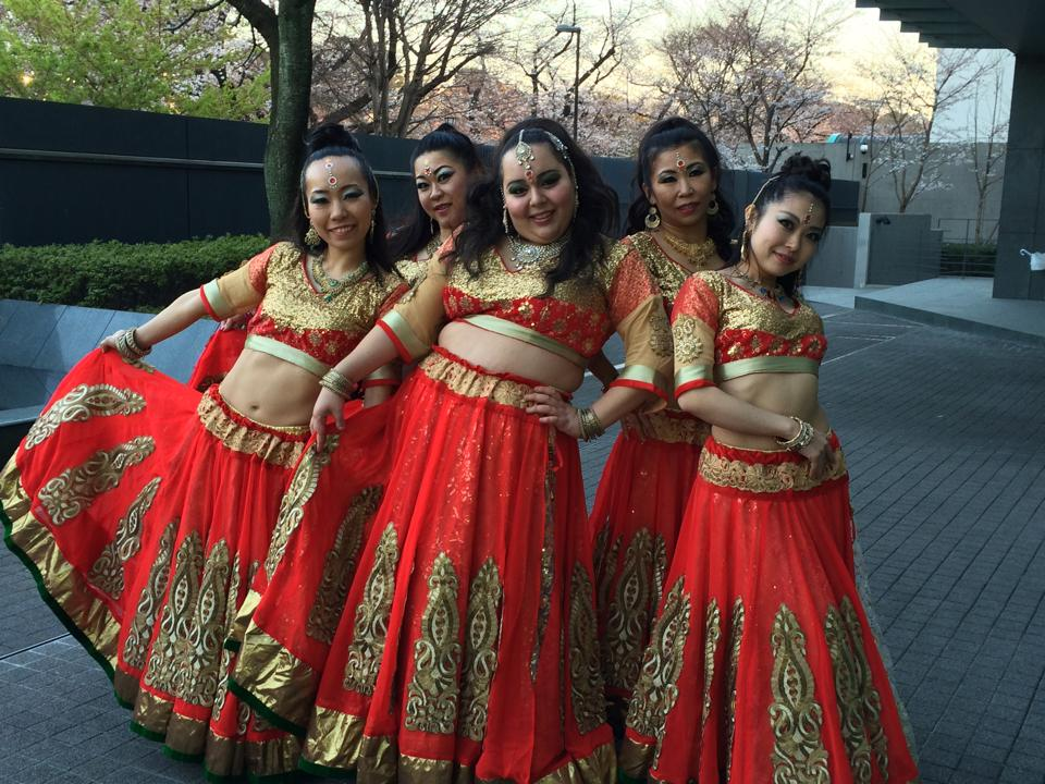 Bollywood nagada dance costume