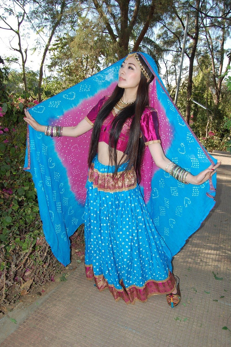 Bollywood costume 57