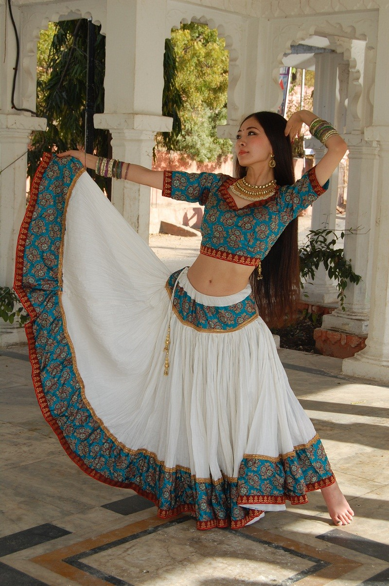Bollywood costume 58