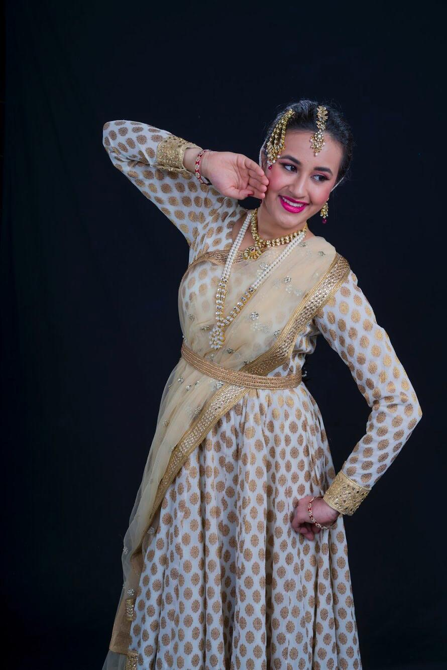 Bollywood dance costume 90