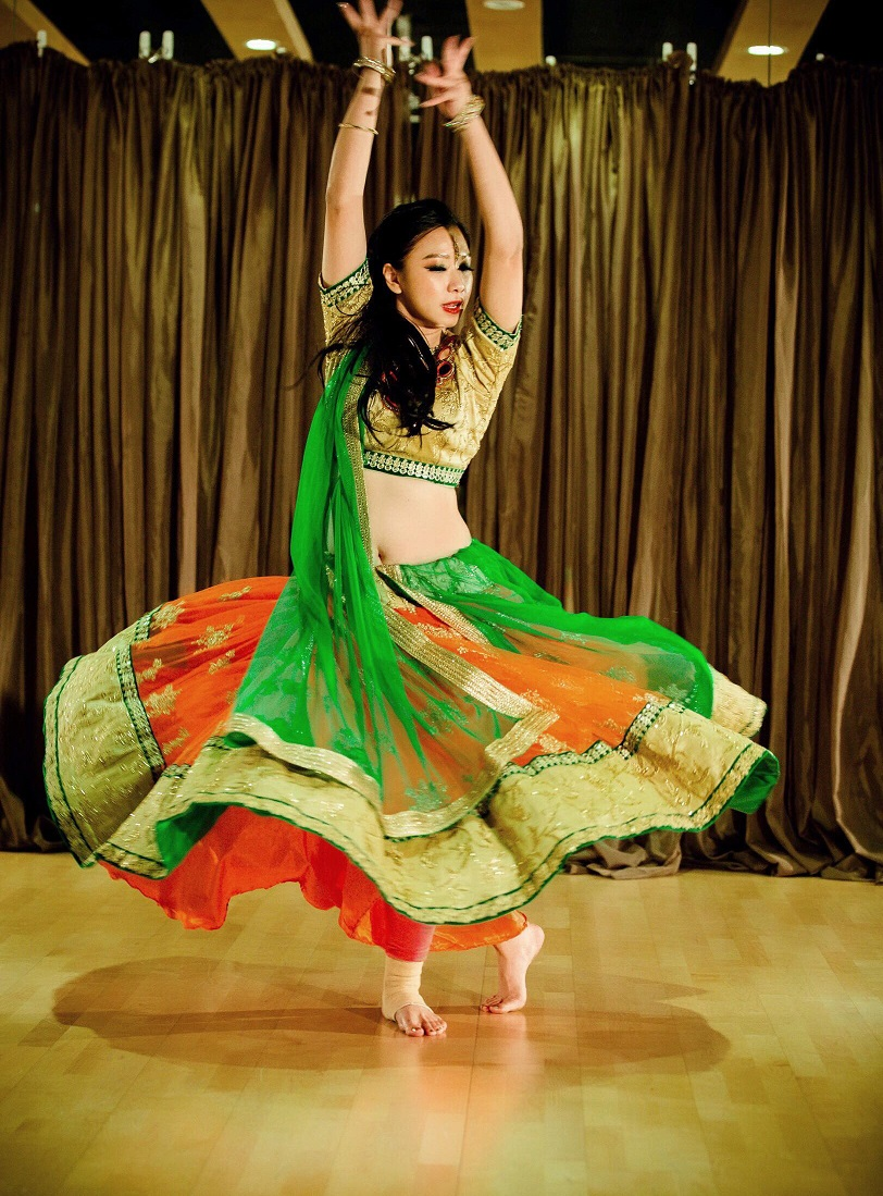 Bollywood dance costume 92