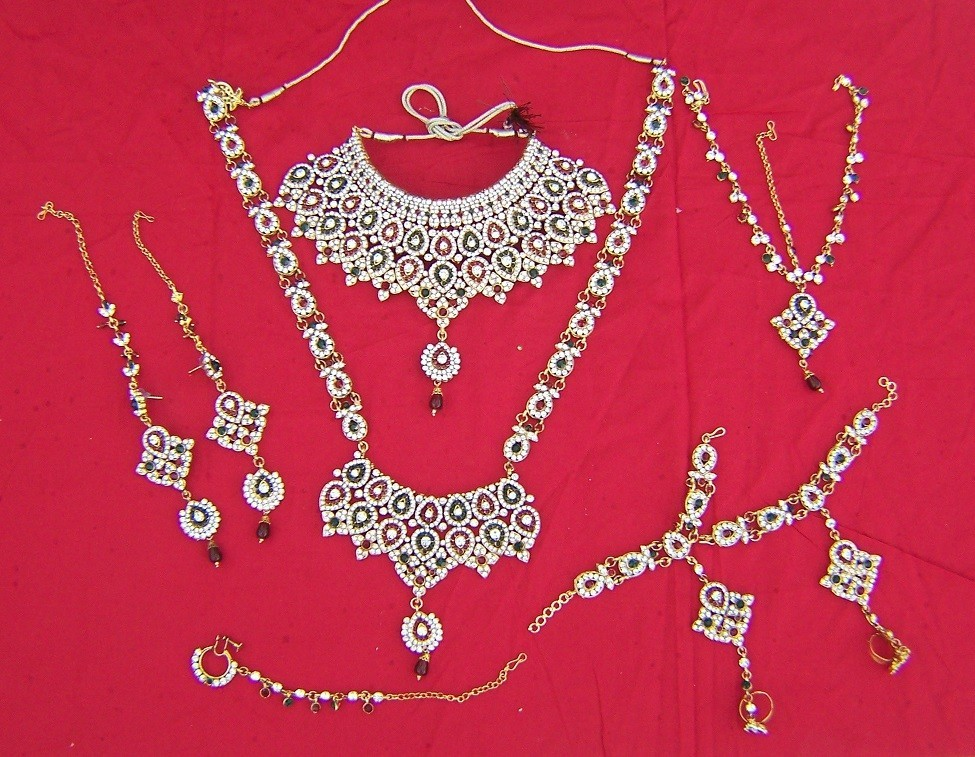 Bollywood bridal Jewellery 9