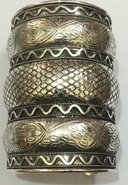 Tribal kuchi cuff 128