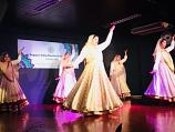 Bollywood dance costume 93