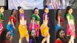 Bollywood costume 41